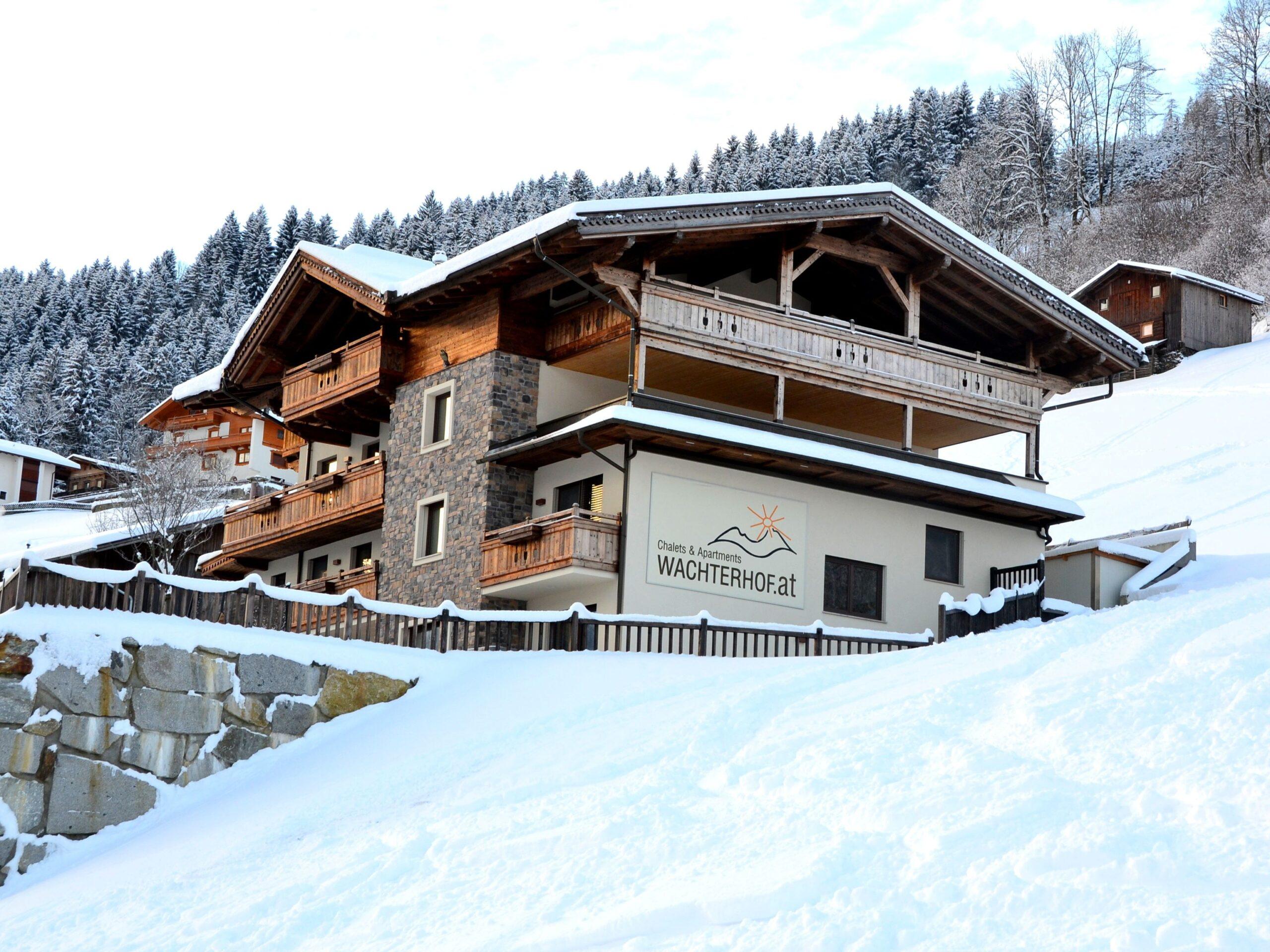 Chalet Wachterhof Deluxe Suite Goldreh met privé-sauna en buiten-jacuzzi - 8-10 personen